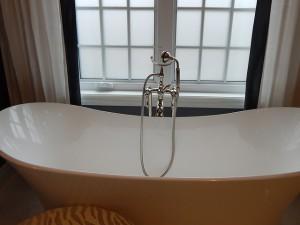 Größe der Badewanne für den Wickelaufsatz